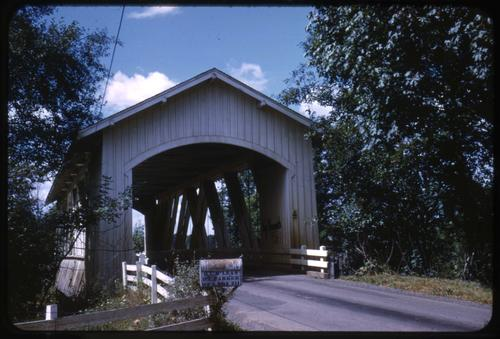 Larwood bridge, 3 miles north of Lacomb, Oregon, over Crabtree Creek, is a 105 foot Howe covered bridge built in 1939. Location: T11S R1W S12, Photo by Glenn G. Groff., Courtesy of State Library of Oregon.