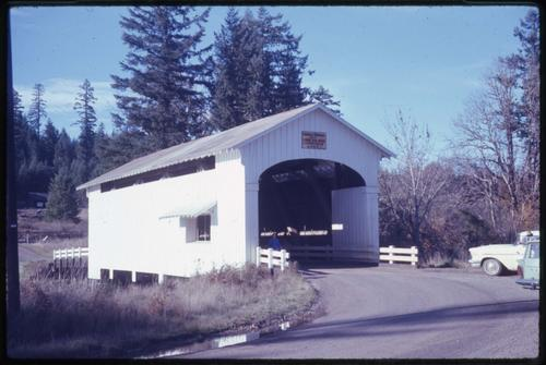 Ernest (Earnest) bridge, 1 mile south of Mabel, Oregon, over Mohawk River, is a 75 foot Howe covered bridge built in 1938. Location: T16S R1W S8, Photo by Glenn G. Groff., Courtesy of State Library of Oregon.