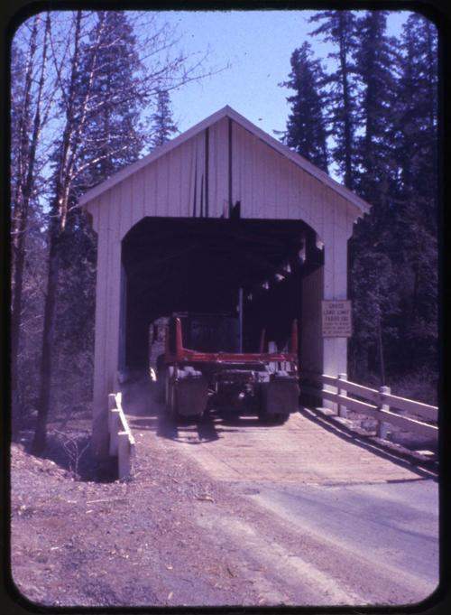 Horse Creek bridge, 1 1/2 miles south of McKenzie Bridge, Oregon, over Horse Creek, is a 105 foot Howe covered bridge built in 1930. Location: T16S R5E S24, Photo by Glenn G. Groff., Courtesy of State Library of Oregon.