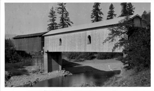 Bate's Park covered bridge or McDowell covered bridge over South Santiam River in Linn County, Oregon., Courtesy of State Library of Oregon.