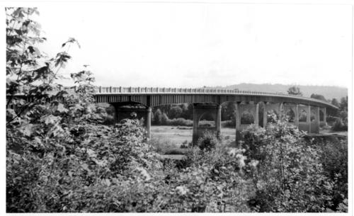 Independence bridge over the Willamette River in Independence, Oregon, connecting Polk and Marion County., Courtesy of State Library of Oregon.