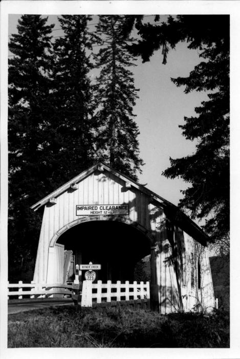 Covered bridge over Ritner Creek near Pedee, Oregon in Polk County. This 75 foot Howe truss bridge was built in 1927., Courtesy of State of Oregon Library.