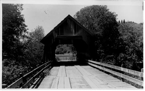 Unidentified covered bridge photographed by Ben Maxwell., Courtesy of State Library of Oregon.